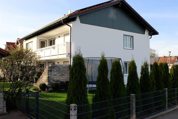 Ferienwohnung/Unterkunft für 5 Pers. Geltendorf