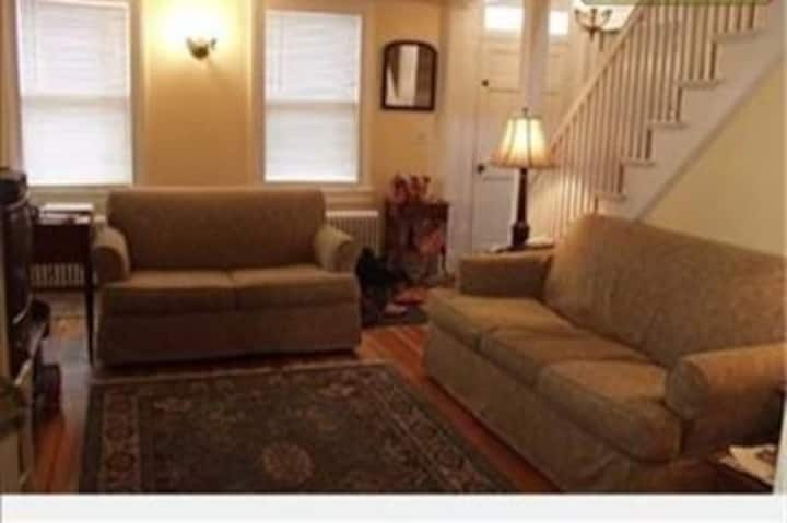 Walk to Track and Downtown! Sleeps 10!