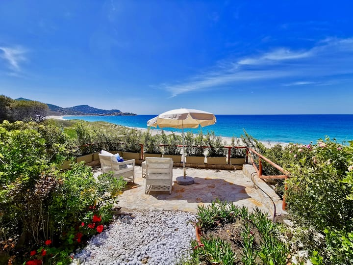 BEACHFRONT HOUSE 2 GEREMEAS SARDEGNA (2ND APARTM)