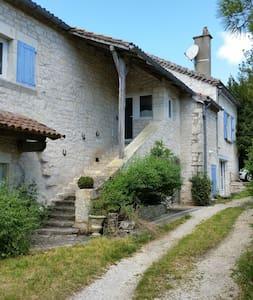 Chambre à la campagne, chez l'habitant - Pern - Haus