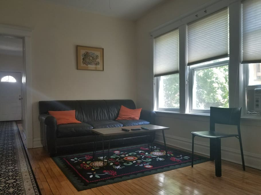 Cozy 2 Bedroom Logan Square Apt By Transportation Apartments For Rent In Chicago Illinois