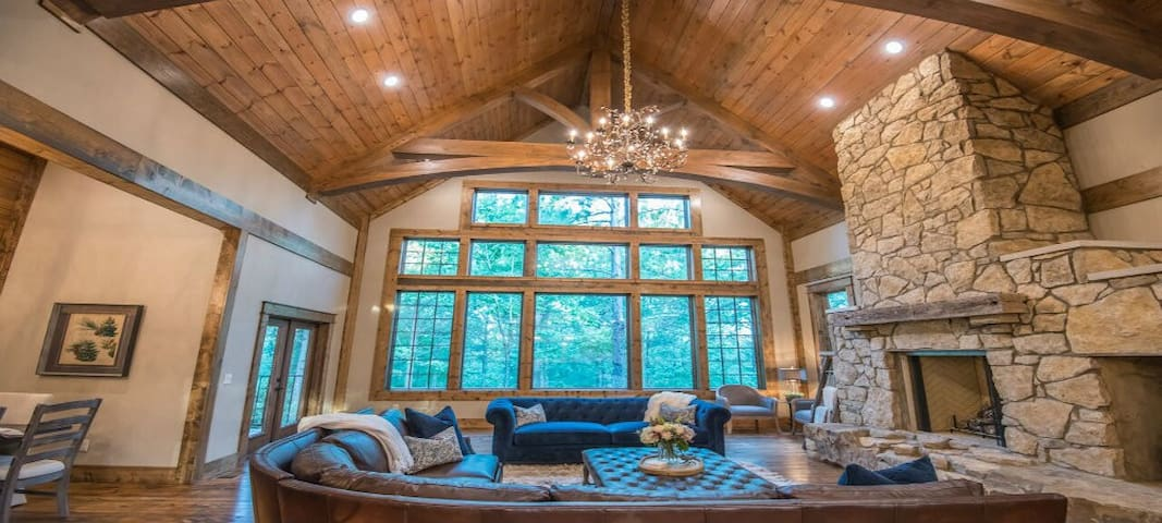 """HIGH LUXE Living at """"The Lion and The Lamb Lodge"""""""