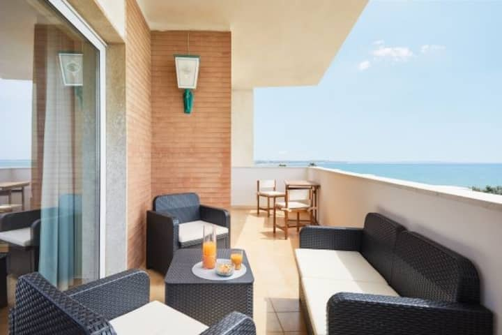 Orizzonte Casesicule, Fantastic Sea View with Balcony and Big Windows, Wi-Fi