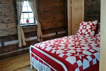 Queen Bedroom Upstairs