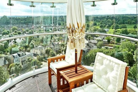 Spacious & cozy apartment with stunning view!!! - Enfield