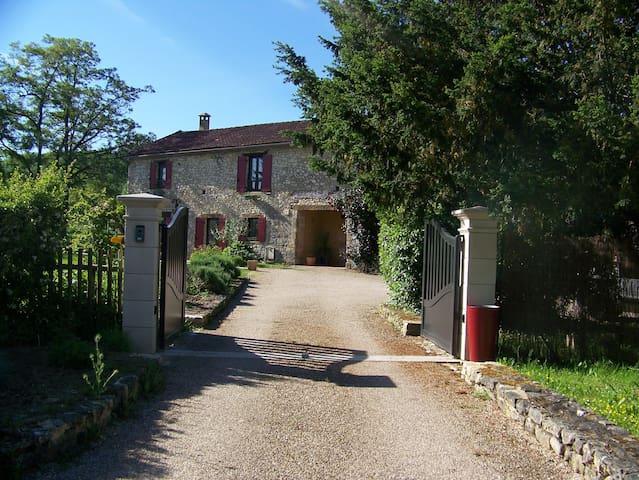 Chambre d'hôte dans maison de campagne en Dordogne