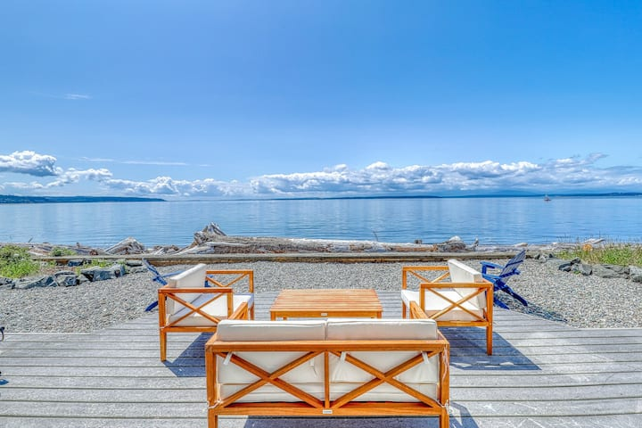 Private Beachfront Home with Gorgeous Views & pool access