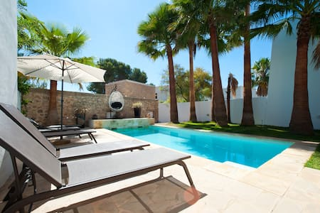 Modern villa close to the town and beach - Santa Eulària des Riu