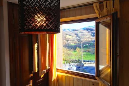 Jacuzzi yMontaña en Picos de Europa.JACUZZI para 2 - Taranes - Apartment