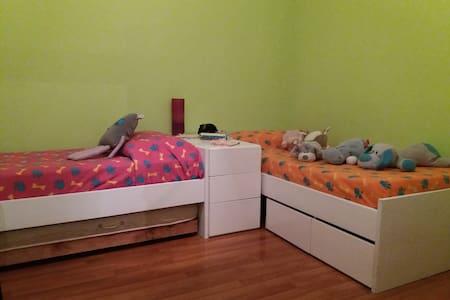Habitación en Parque Rodó, 2 camas, Itapúa 2262