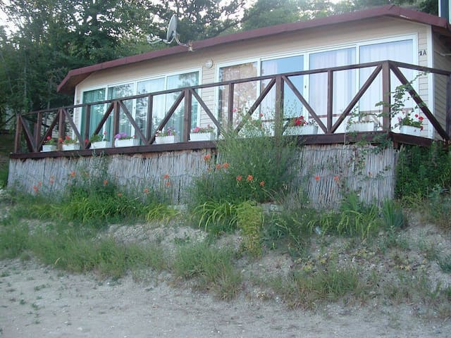Private bungalow on the beach 1a - Varna - Apartment