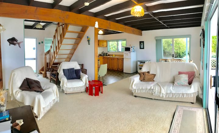 1741 – Snells Beach Holiday Home