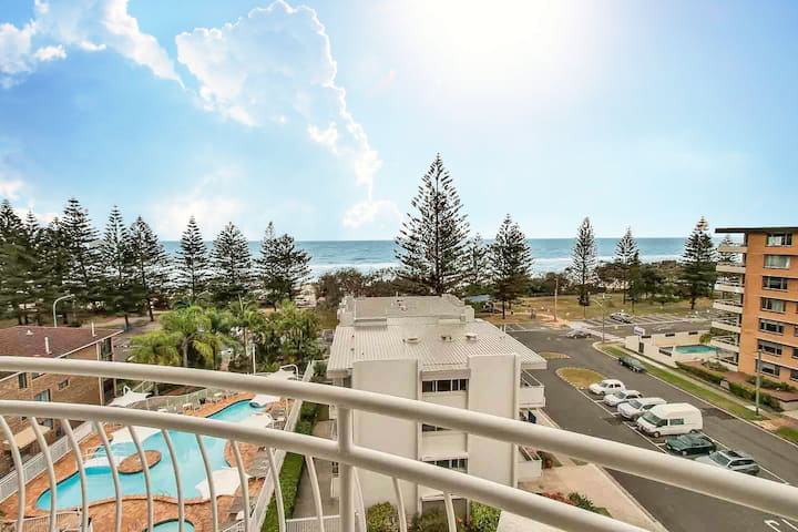 2 Bedroom Burleigh Heads Ocean Beachfront