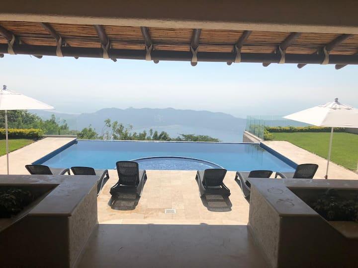 Hermosa Villa Capricho, La Cima Club Residencial