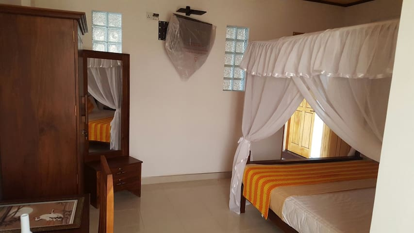 gg lodge family room 2 - Mirissa - Apartamento