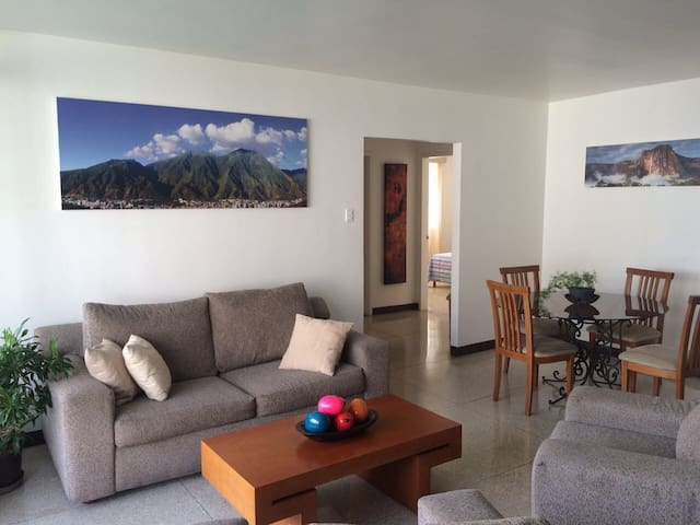 Apartment in Los Palos Grandes - Caracas - Apartment