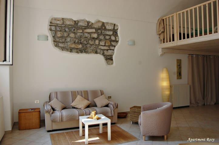 Smallvillage Apartment Rosy - Riva di Solto - Apartemen