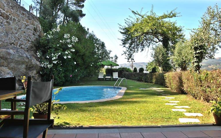 Quinta do Freixieiro - Casa da Piscina - Cinfães - Villa