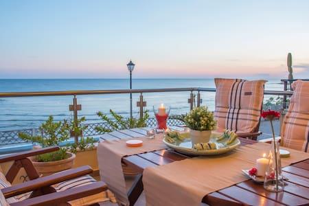 Alexander Seaside Villa - Preveza - Hus
