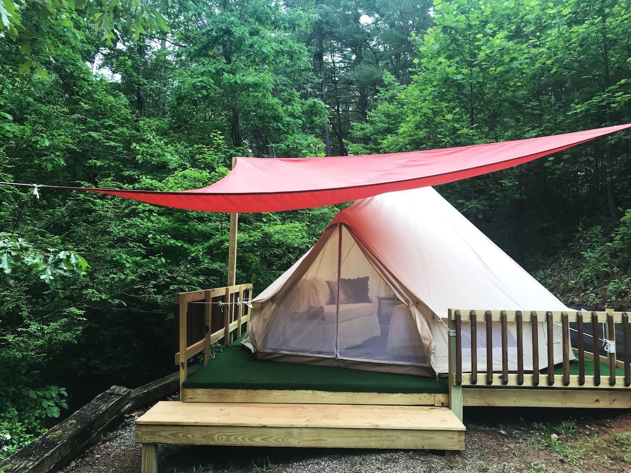 Camping glamping Hollywood style
