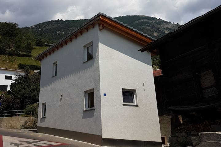Modernes Ferienhaus in Ausserberg