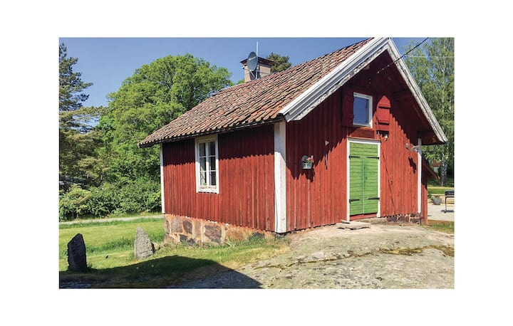 Holiday cottage with 1 bedroom on 40m² in Vikbolandet