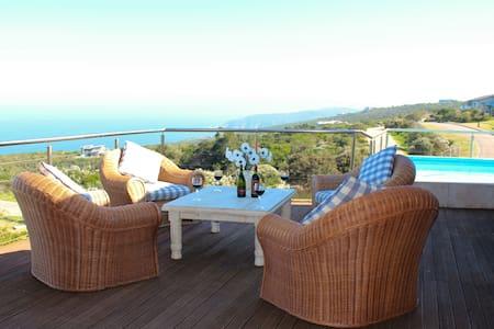 Beautiful 5 bedroom house in Oubaai Golf Estate - George - Casa