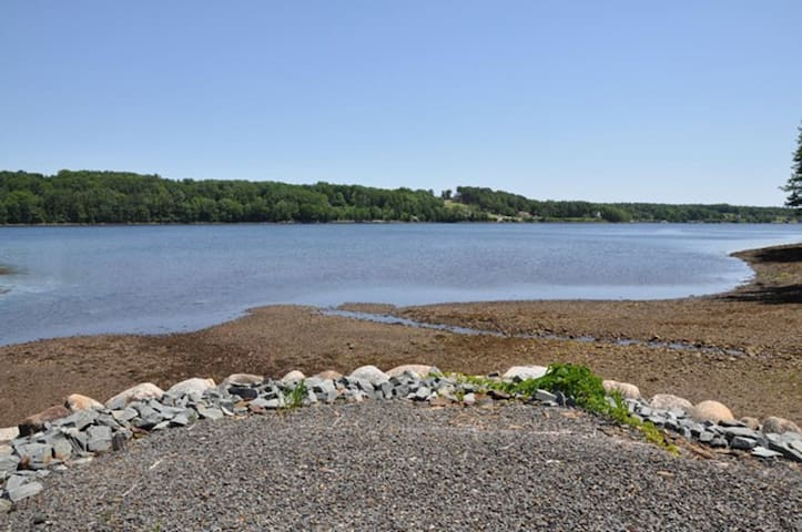Lahave Semi-Riverfront home & water access