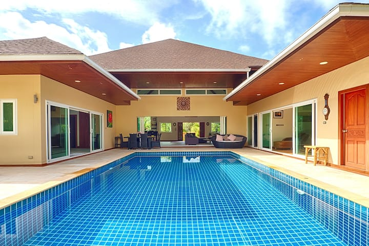 Ting's Villa - Luxury  3 bedroom Pool Villa