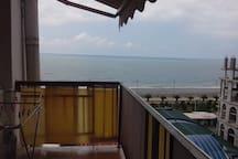 Сдаётся большая квартира с видом на море
