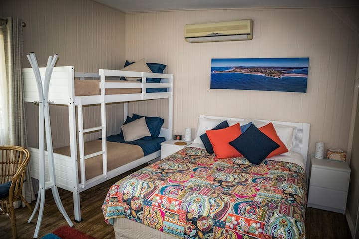 Studio 14 - perfect location in the heart of Yamba