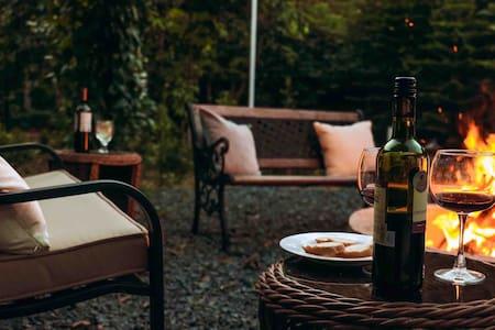 Elaren Garden Villa