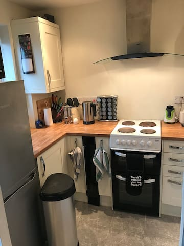 1 Bedroom flat between Cheltenham & Gloucester