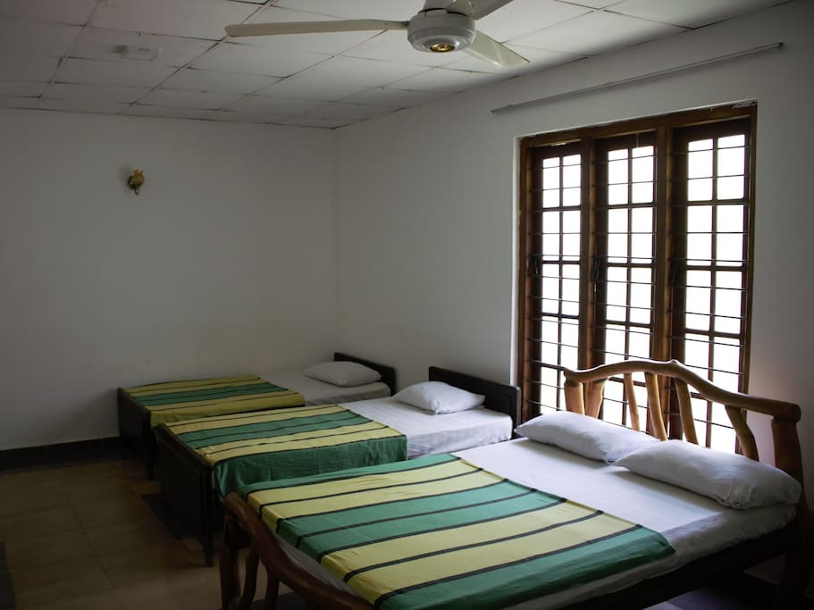Female Dorm 6 people can accommodate