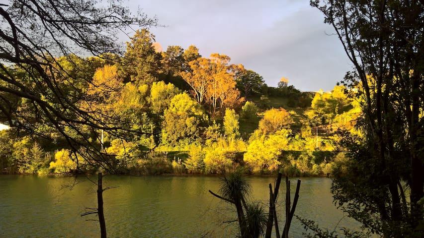 Pohatu Studio, A retreat by the River