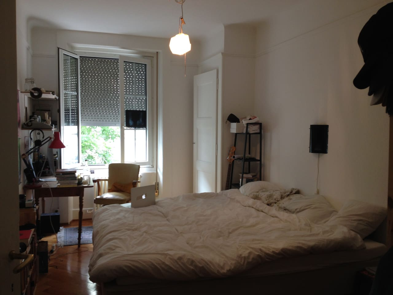 Large room, with 2mX2m bed