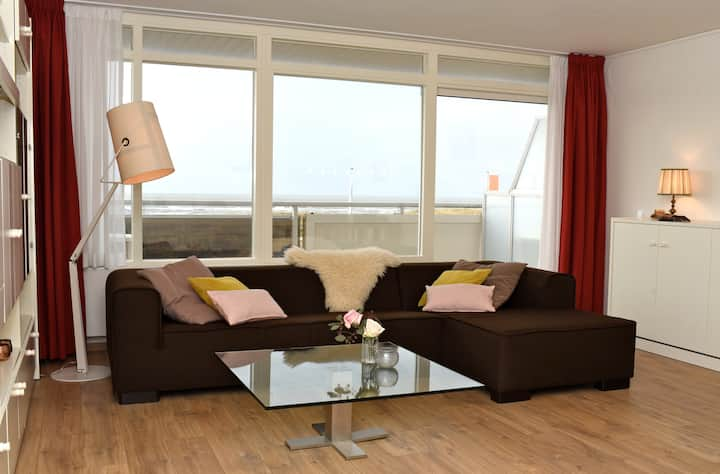 """""""BRIES""""  LUXE SEA VIEW APARTMENT"""