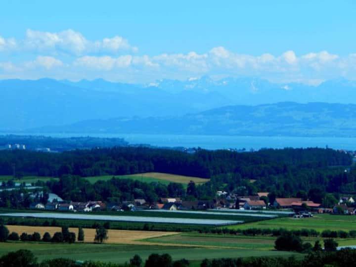 2 Zimmer Panorama Ferienwohnung Balkon & Hallenbad