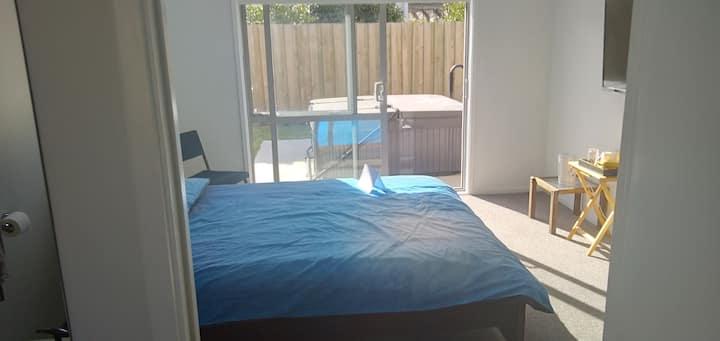Spa=acious Modern Private Room