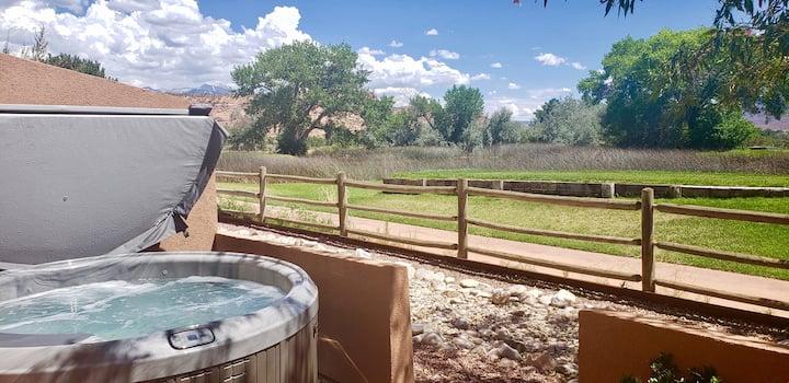 Adobe Dreams ~ 3292, Private hot tub overlooks the golf course, pet friendly! - Adobe Dreams ~ 3292
