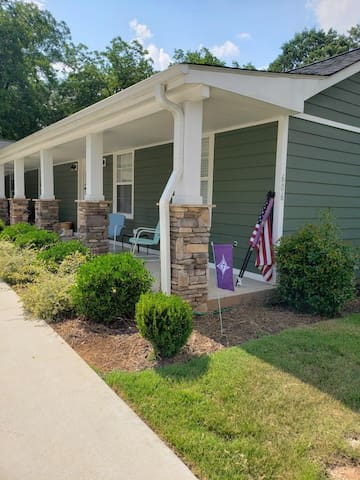 Renovated House near BMW, GSP, Michelin,Greenville