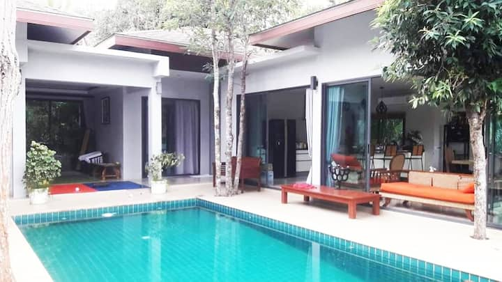 4 Bedroom Private Swimming pool villa HinKong