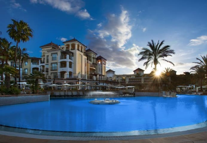 Marriott Beach Resort.2bedrooms Apartment 3 pools - Estepona - Apartamento