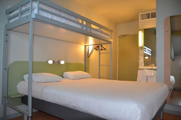Chambre Hôtel Ibis Budget Brive - Brive-la-Gaillarde - Annat