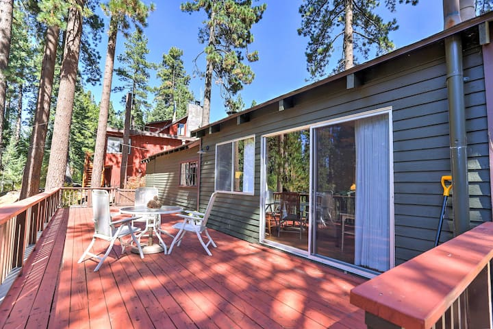 Zephyr Cove Cabin w/ Porch - Close to Lake Tahoe!
