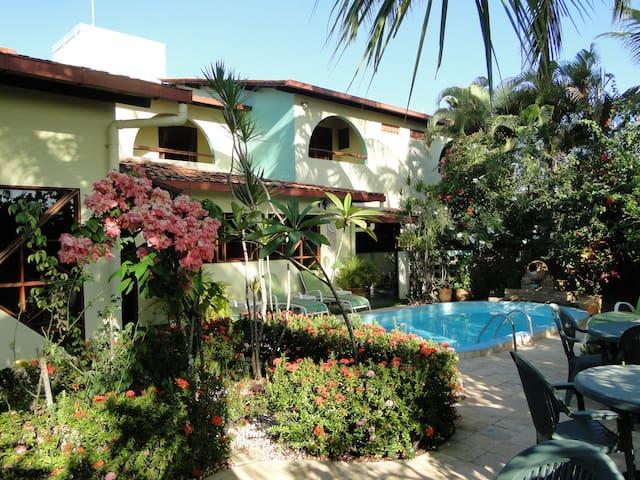 Hotel Pousada Arco-íris - Barra de Santo Antônio - Bed & Breakfast