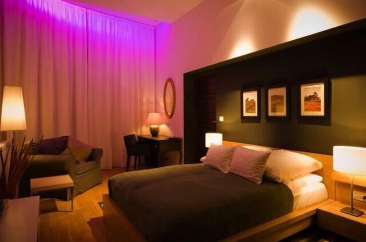 Qiu Hotel Rooms - Oradea - Apartamento