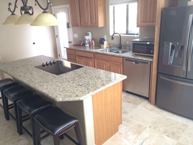 Guest house for 2 in a resort setting! - Queen Creek - Casa de hóspedes