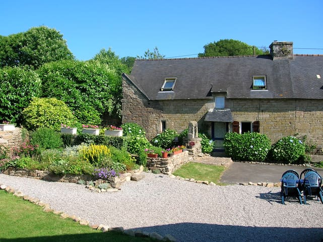 Francoise Cottage, Bot Coet Cottages - Ploërdut - Talo