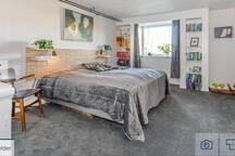 Dejlige værelser med eget bad i smukke Strib